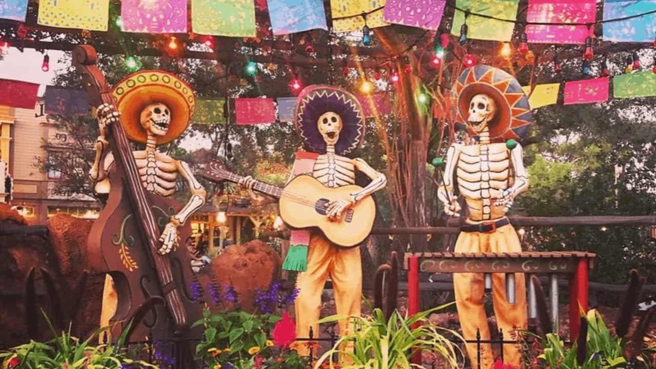 Celebrating the Day of the Dead in Xcaret Tour