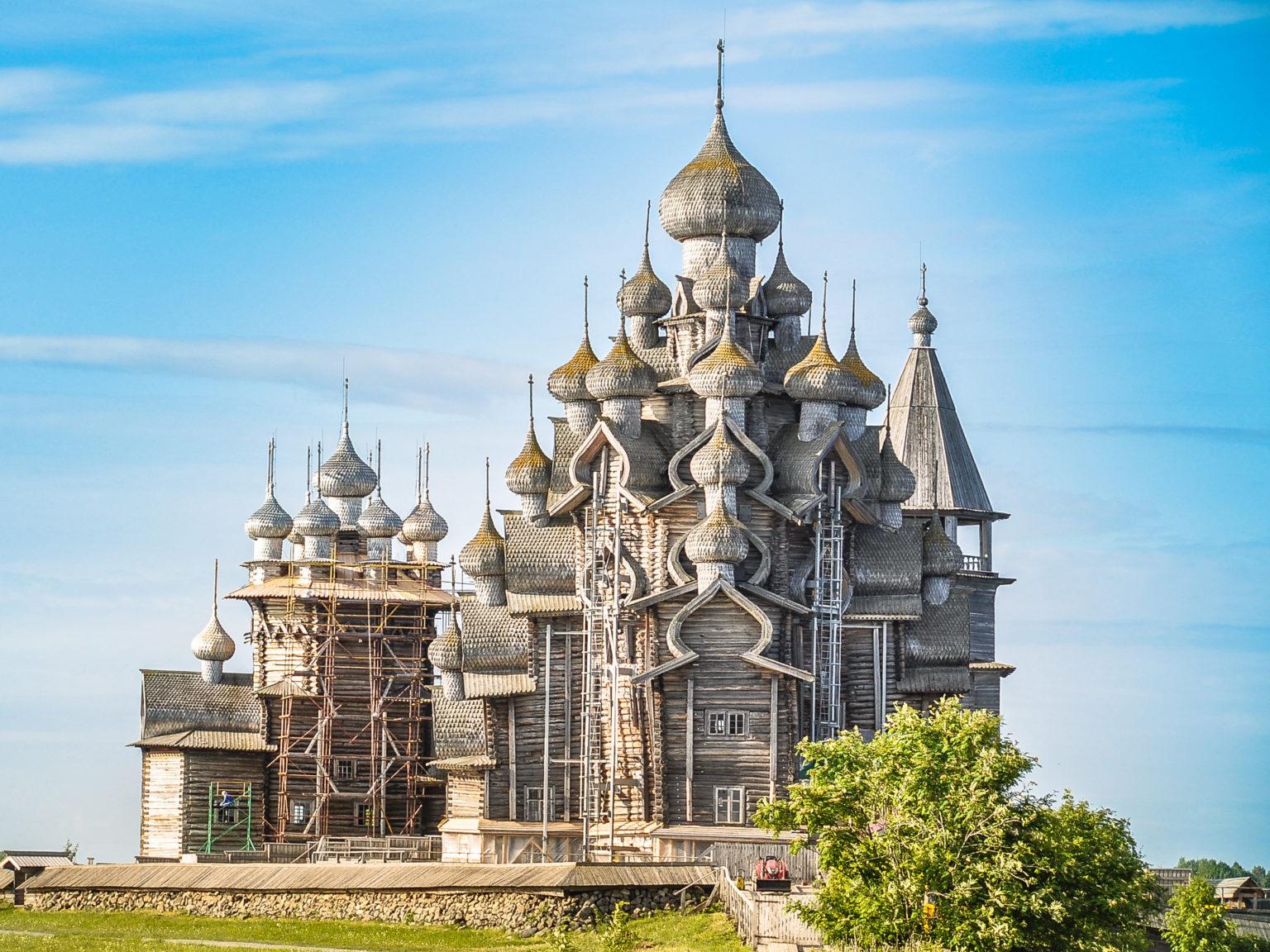 Sightseeing tour in Kizhi island 1