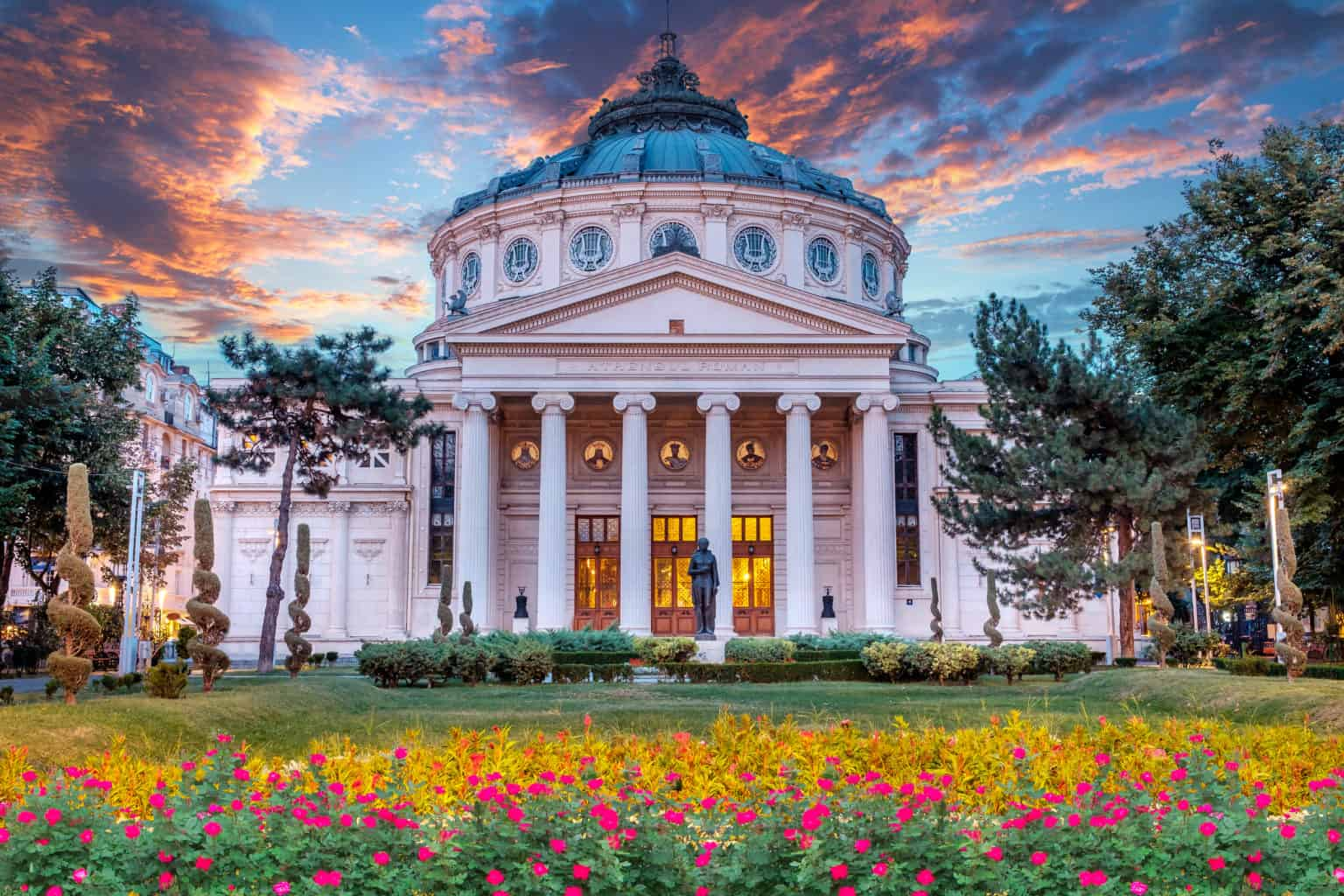 Museums and Galleries walking tour in Bucharest