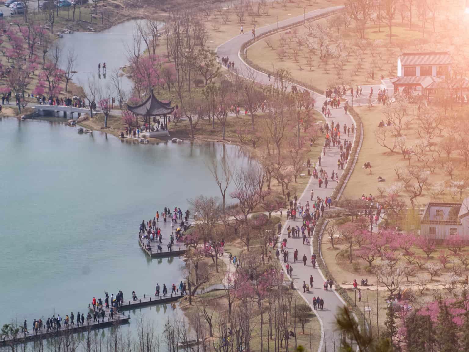 Walking Tour in Zhangjiaggang