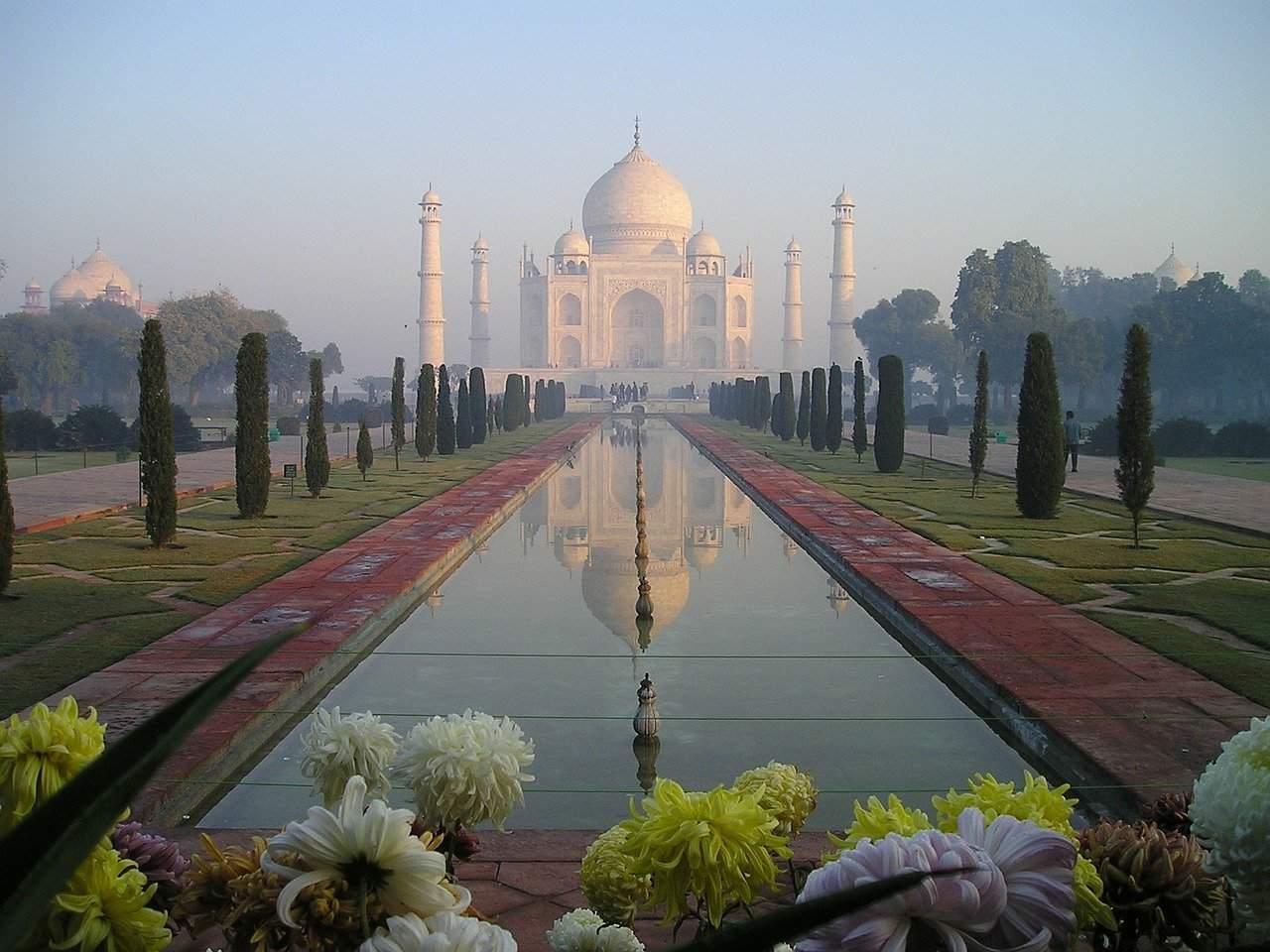 Walking tour in Agra