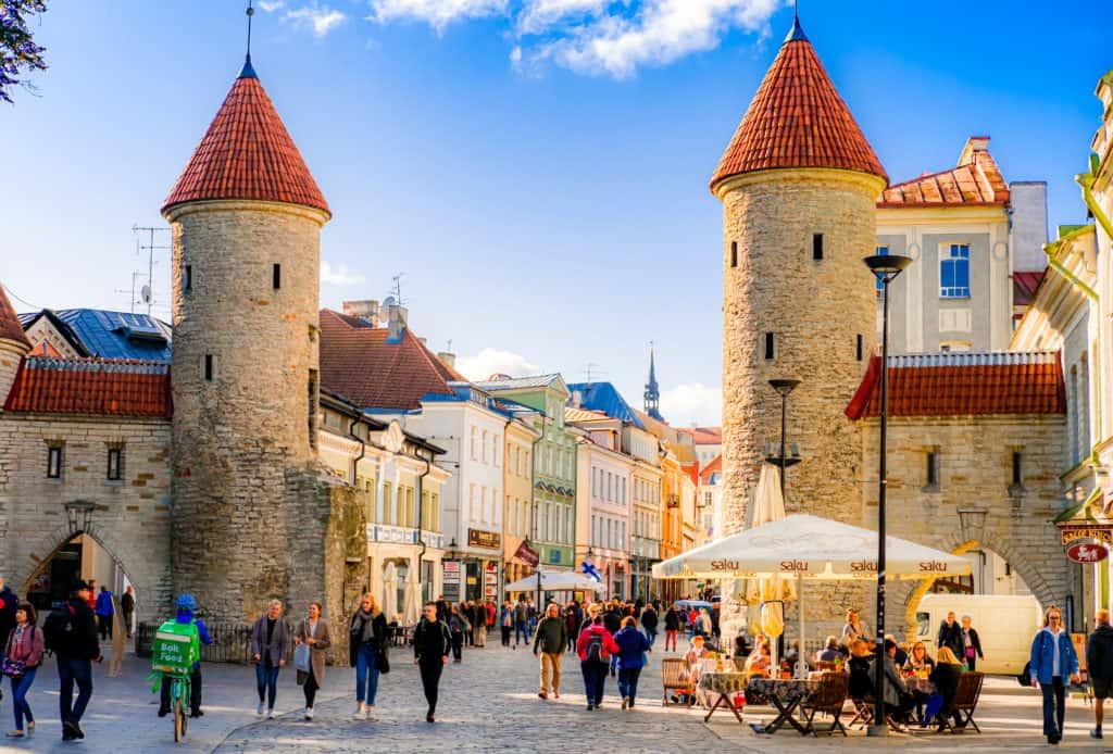 Explore Tallinn on foot4