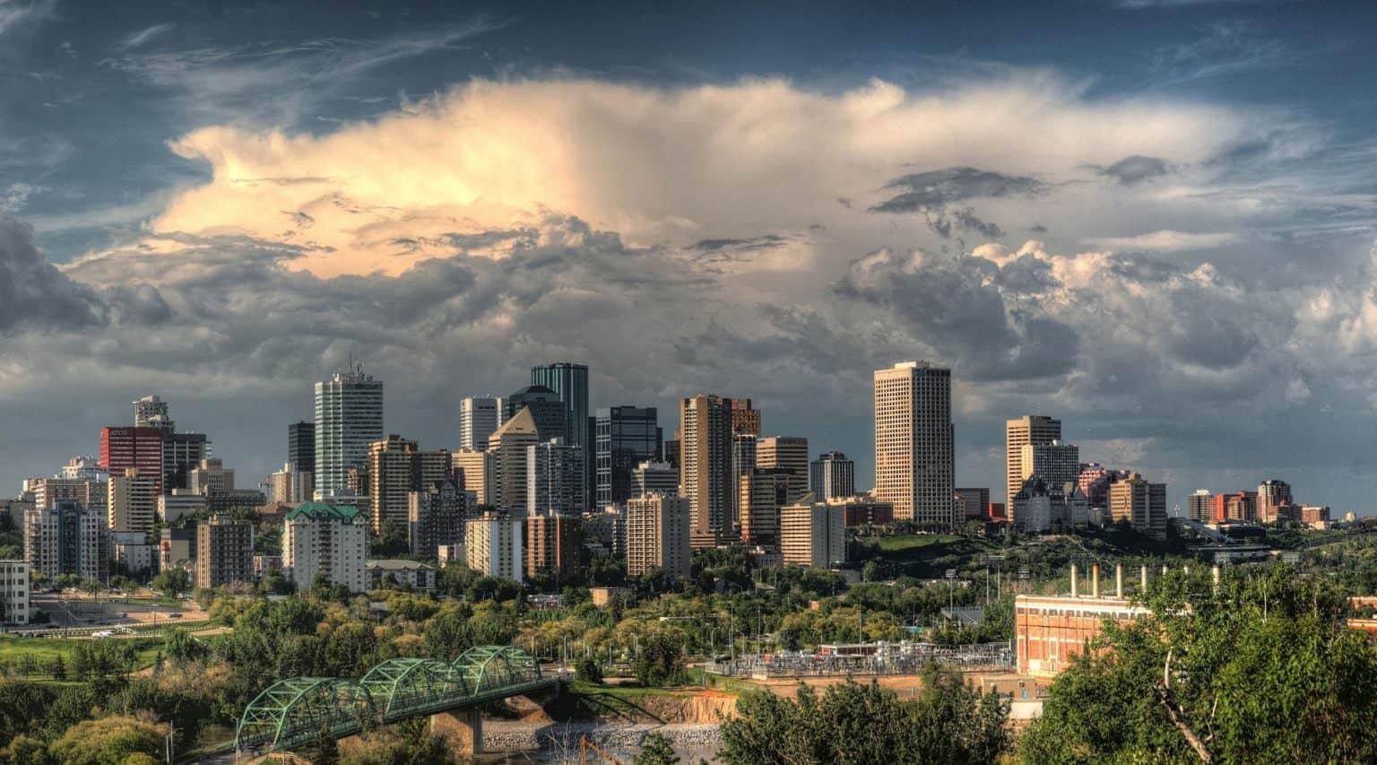 Walking tour in Edmonton