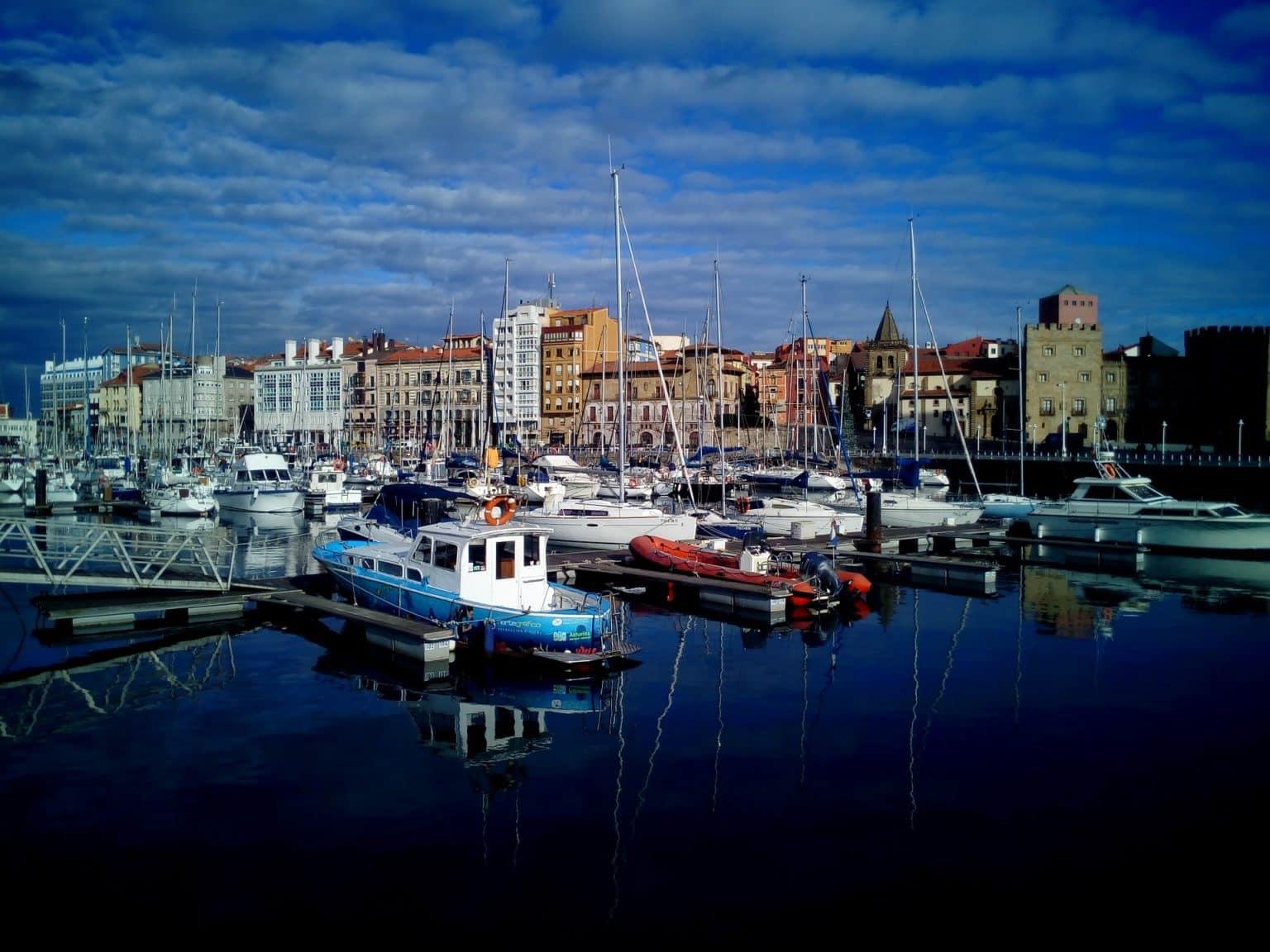 Walking tour in Gijón