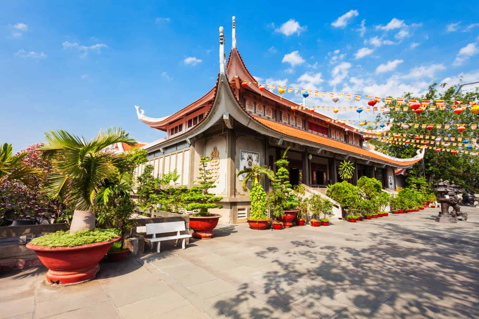 walking-tour-in-ho-chi-minh