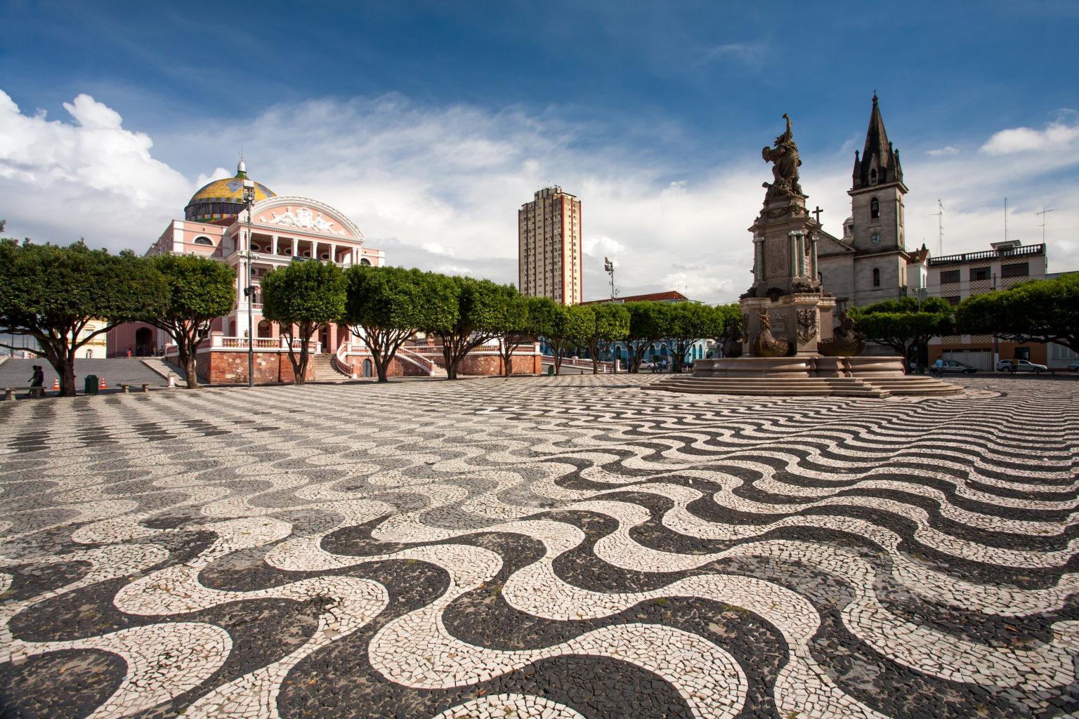 Walking tour in Manaus