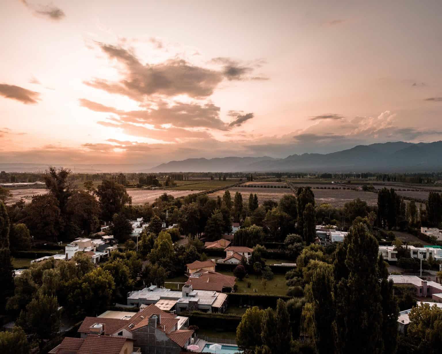 Walking tour in Mendoza