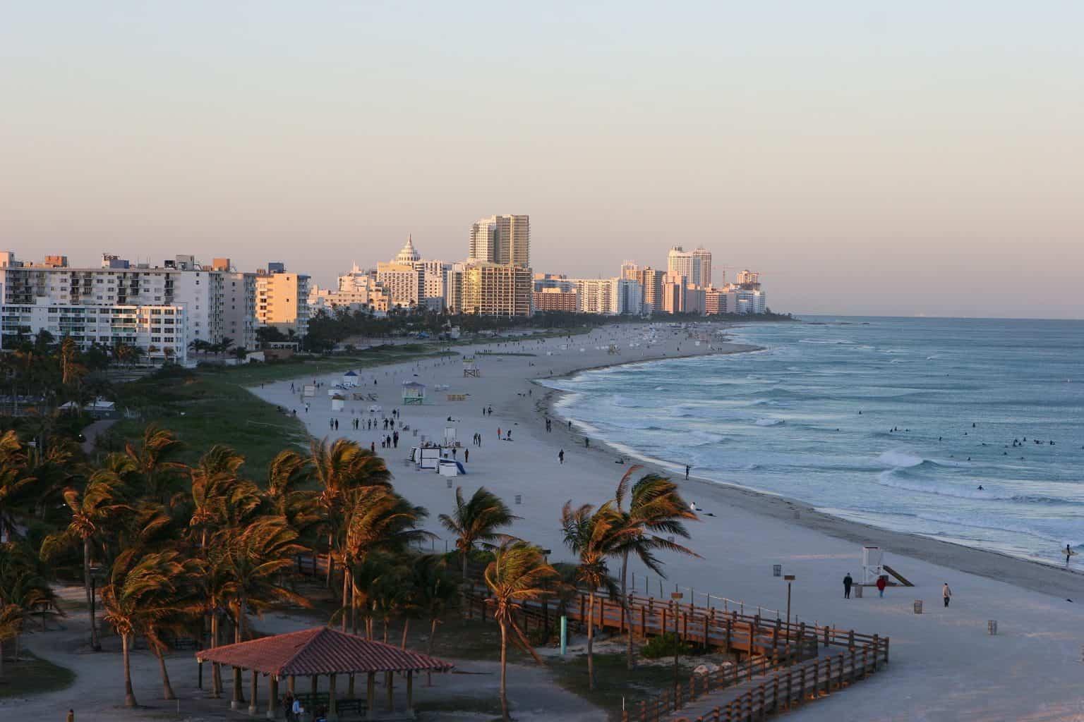 Walking tour in Miami