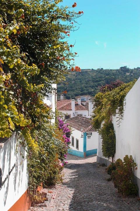 Walking tour in Portugal Óbidos
