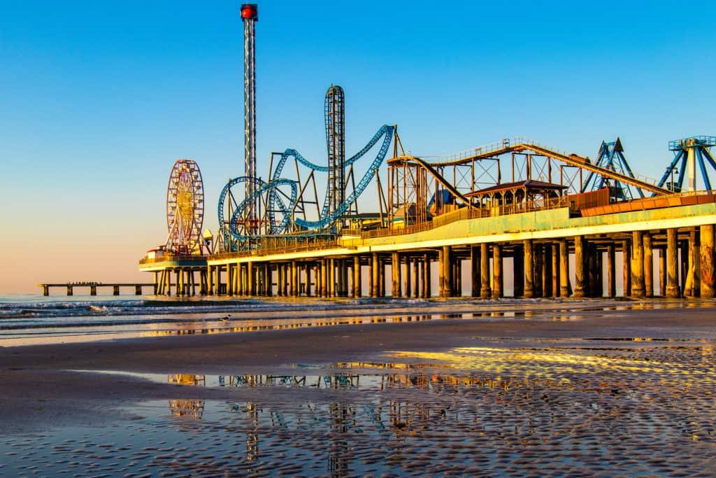 TTD_Beaches_H_ART_Galveston_MAIN_e63180ff-4f63-4190-8613-1cf7b38ffc2b