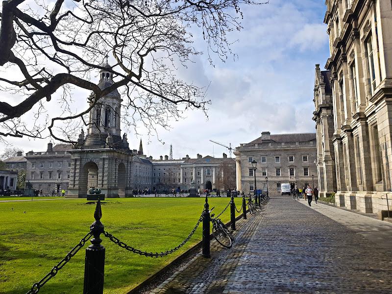 Walking Tour In Dublin For Seniors