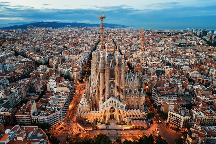 Sagrada Familia Basilica Tour For European Tourist