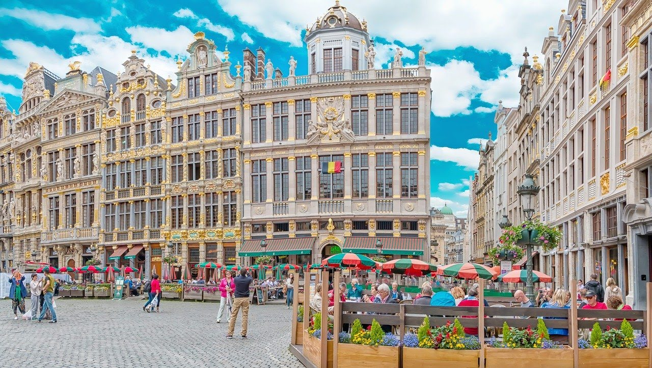 Family walking tour in Brussels